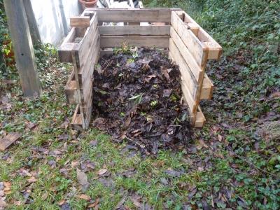 composteur-fait-maison-avez-fabrique-composteur_500407.jpg